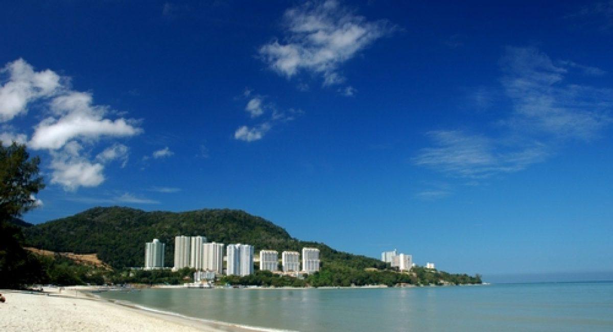 tanjung-bunga-beach-area-in-palau-penang-island-mal482